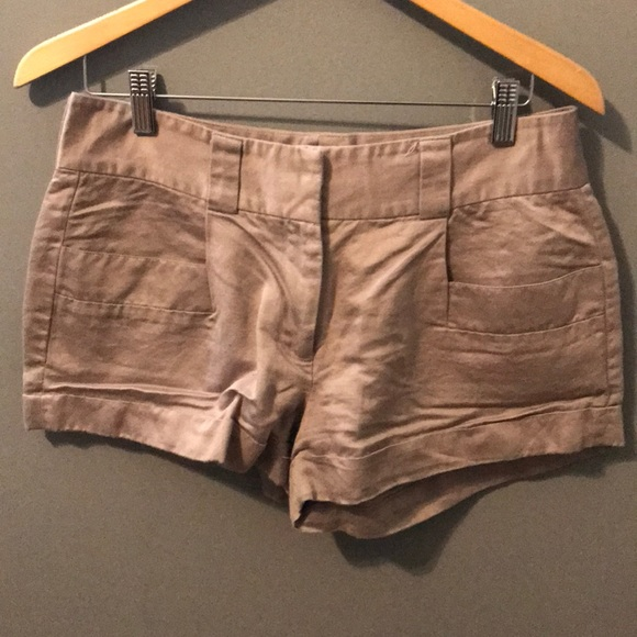 French Connection Pants - French connection dress shorts size 6 dove gray